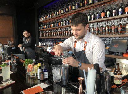 ALEX&NDER-bar